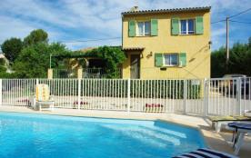 Gîtes de France Maison avec piscine La Bastide.