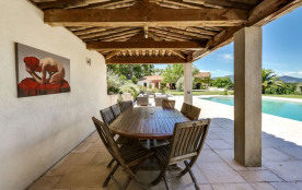 squarebreak, Beautiful provencal house with a panoramic view in