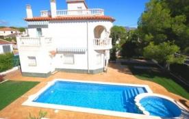 Villa VN PIN - Belle villa à 500 mètres de la mer avec piscine privée et située dans un quartier ...