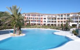 LES ISSAMBRES-APPT 2P à 100m de la plage- -piscine-vue mer-climatisation  thalassothérapie dans la résidence.