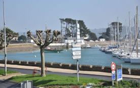 N°821 - Studio vue Mer avec terrasse face au port de plaisance.