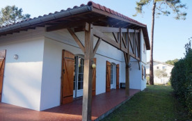Villa familiale avec 5 chambres secteur calme (024)