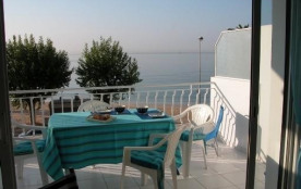 GOLFE JUAN Appartement 2 pieces terrasse face a la mer