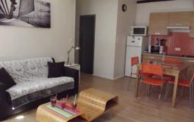 2 pièces 4 personnes Bel appartement de 40 m², situé au premier étage (sans ascenseur).
