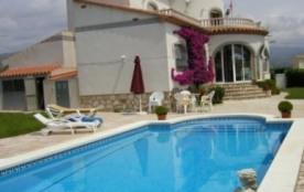 Villa située à Ametlla de Mar, 120 km au sud de Barcelone.