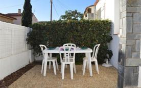 Maison 2 pièces de 30 m² pour 4 personnes situé à 200 m de la plage, cette location de maison de ...