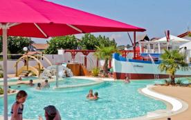 Aux portes de Biarritz, le camping Ur-Onéa avec sa piscine couverte et chauffée vous attend pour ...