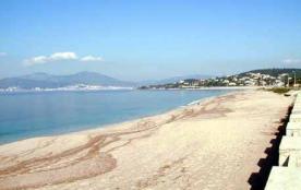 Location Studio calme sur  Porticcio les pieds dans l'eau pour 4 personnes dès 300 euros par semaine
