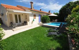 Joli apparte. avec piscine, 4 km de St Cyprien et sa plage, calme, proche centre
