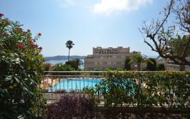 App vue mer et piscine entre Nice et Monaco