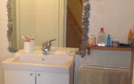 vasque et meuble de rangement