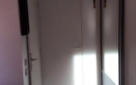 l'entrée au fond les WC