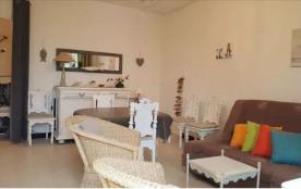 Quartier calme proche centre ville et plage, villa de type 3 pour 6 personnes.
