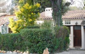 Adorable maison provençale dans domaine de standing sécurisé avec piscine