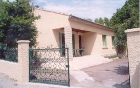 Gîtes de France Les Deux Oliviers. Maison indépendante proche du village avec terrasse au sud de ...