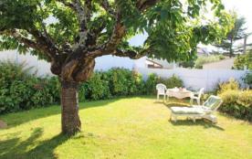 Près de la mer, le gîte de la venelle est une maison confortable, lumineuse, avec un  agréable jardin clos privatif. ...