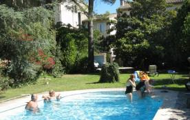 Location Maison  St Remy De Provence 2 à 6 personnes 550 à 750 euros par semaine