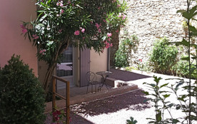 Studio gare/Arènes calme avec terrasse privative