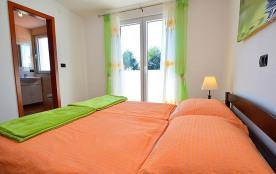 Appartement pour 2 personnes à Rogoznica/Ražanj