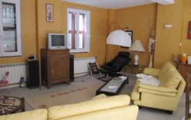MONTAGNE belle maison 160m2,12 pers 1 000-1600 euros