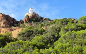 le Cap Dramont: balades, criques à 4.7 km