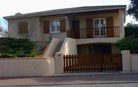 Située à Ronce, très belle villa surélevée sur dune (garage au rdc)