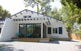 Villa mitoyenne avec jardin privé d'environ 400 m². Cette maison de 4 pièces est située face au S...