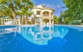 Villa OL Devi.