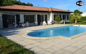 Biscarrosse Bourg maison avec piscine pour 10 personnes
