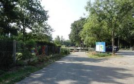 Camping Le Bois Fleuri, 79 emplacements, 13 locatifs