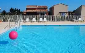 Maisons 4 à 6 pers à proximité d'Avignon dans résidence avec piscine