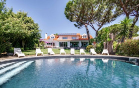 squarebreak, Elégante villa familiale avec jardin et piscine