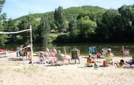Village Camping LES VIGNES, 90 emplacements, 24 locatifs