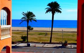 Joli appartement  proche plage et commerces avec piscines communautaires  ref 305