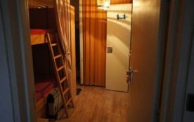 STUDIO au 2éme étage avec ascenseur comprenant u