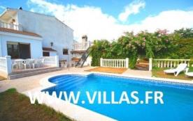Villa VN LLACA - Spacieuse villa pour 10 personnes avec piscine privée au sein d'un beau jardin a...