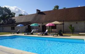 Longère XVIIIe totalement rénovée avec piscine proche ISSIGEAC