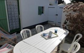 Maison 3 pièces mezzanine de 46 m² environ pour 5 personnes située à 600 m de la mer et 1 km 500 ...