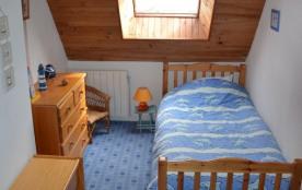 chambre enfant  2lits 90 au 1er étagee