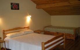 chambre , lit 140 et 90