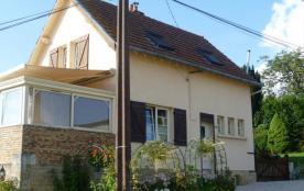 Gîte n°49 à Oches - à 25 km de Vouziers Maison indépendante.