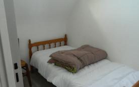 chambre 3  un lit 90 cm