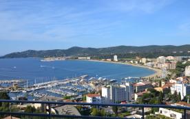 Le Lavandou - Location Appartement 2 Pièces - Vue Panoramique Mer & Port - Terrasse + Parking