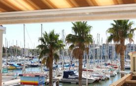 Appartement 1 pièce cabine de 25 m² environ pour 4 personnes située sur le port, la résidence le ...