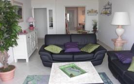 Saint Laurent du Var : appartement de 3 pieces très agréable, terrasse vue mer
