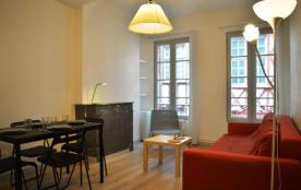 T2 - 45 m² environ- jusqu'à 4 personnes.