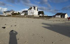 plage de rockroum à marée basse (100 m de la location )