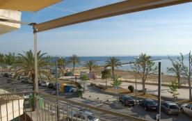 Appartement 2 pièces situé en bord de mer au centre de Roses.