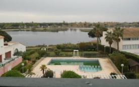 Port Camargue (30) - Quartier Salonique - Résidence Les Terrasses du Lac.