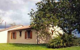 Maison très confortable, indépendante et de plain pied située à la campagne (82 m²).